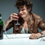 Алкоголизм является врагом №1 современного общества
