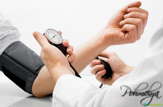 проверка давления у человека